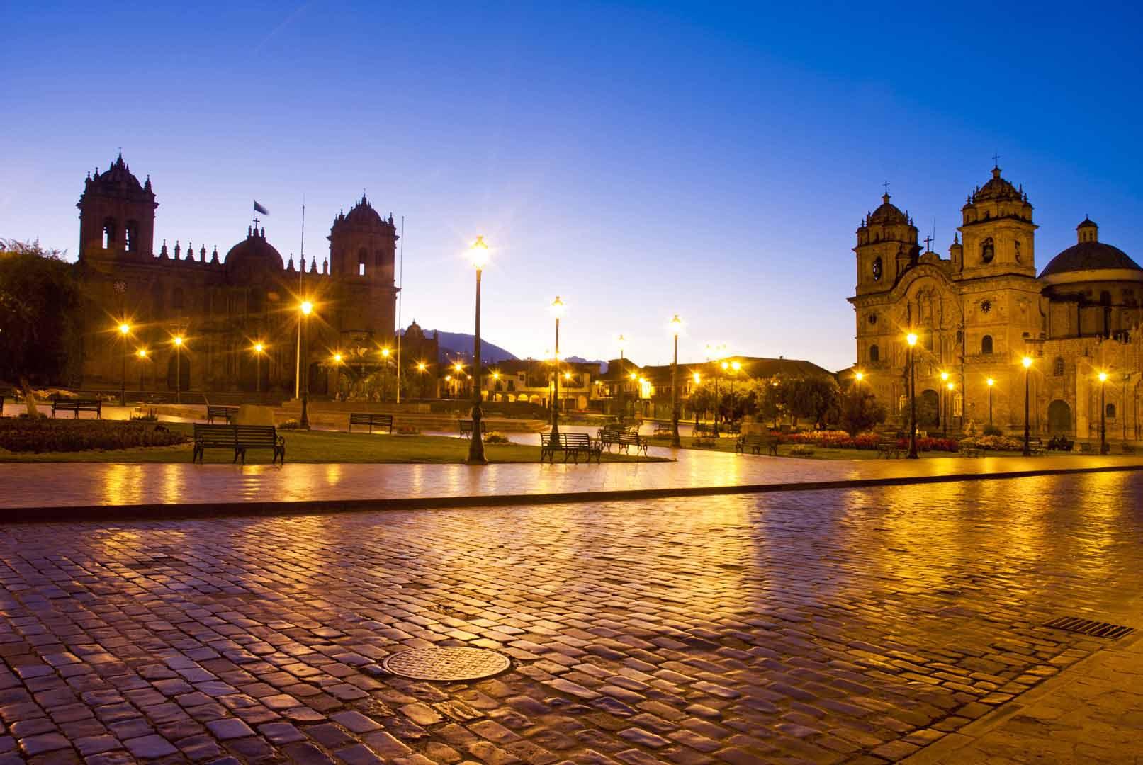 Plaza-de-Armas-del-Cusco-CUSCO